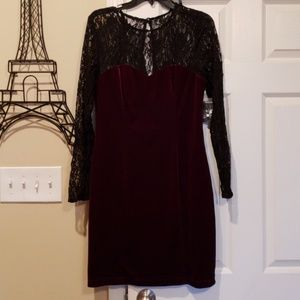 NWT Bisou Bisou velvet and lace dress